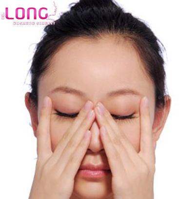 nhung-dong-tac-massage-mat-tai-nha-1